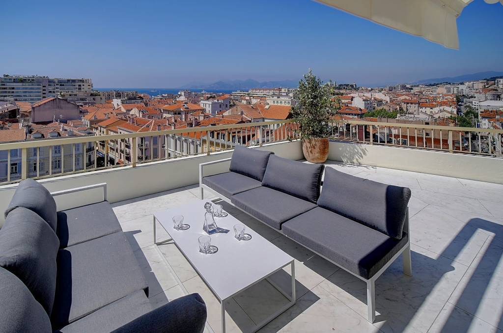 CANNES CENTER -  EXCEPTIONAL PENTHOUSE